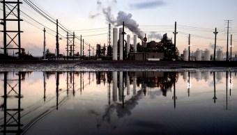 Precios del petróleo caen tras fuertes