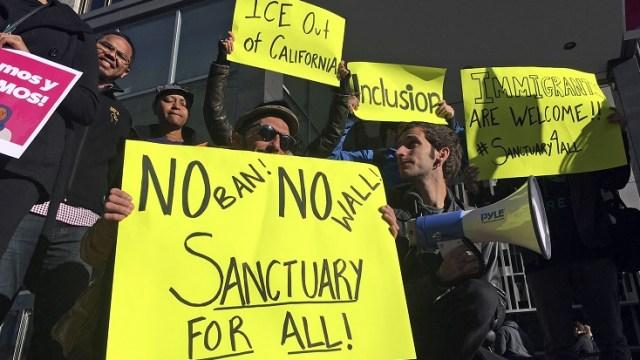 Trump acusa a California de albergar a miles de extranjeros criminales