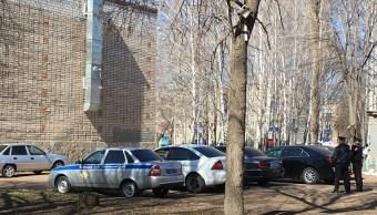 Joven ataca con cuchillo a adolescentes y maestra en escuela de Rusia