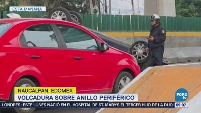 Vuelca automóvil en Naucalpan, Estado de México