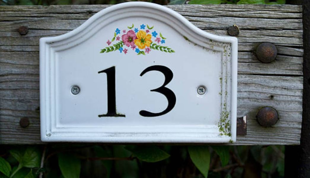 Debido a las supersticiones, el número 13 es prácticamente borrado de varios lugares