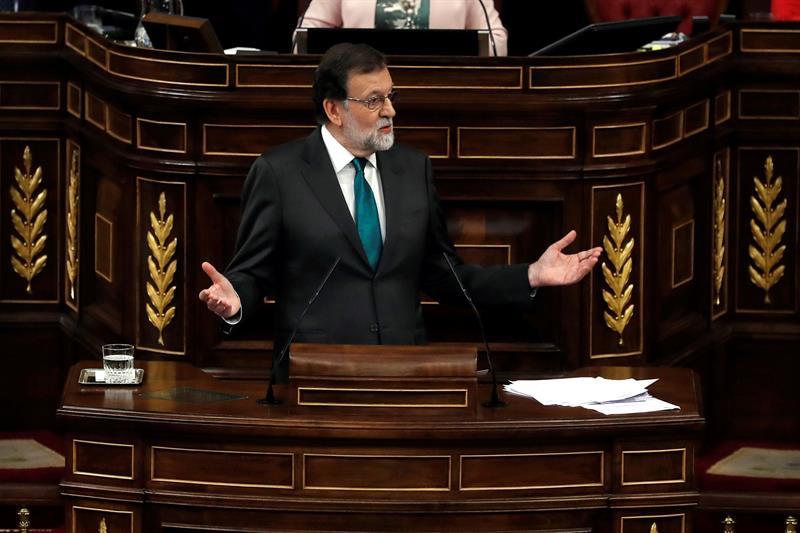 Rajoy enfrenta moción de censura en el Parlamento