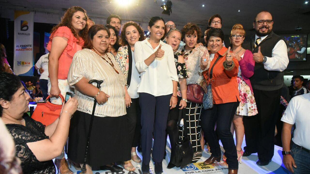 Alejandra Barrales se reúne con familiares de víctimas del Rébsamen