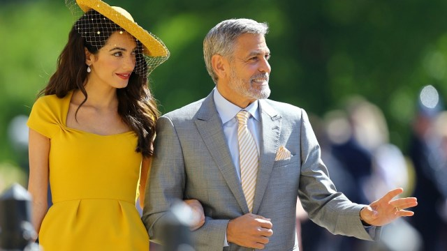 Grandes ausencias contrastan con caras muy conocidas en la boda real