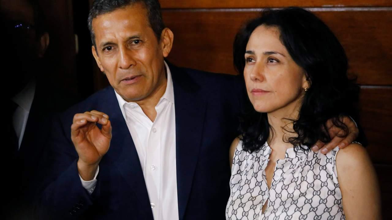 Humala y esposa reiteran a fiscal su colaboración en investigación por lavado