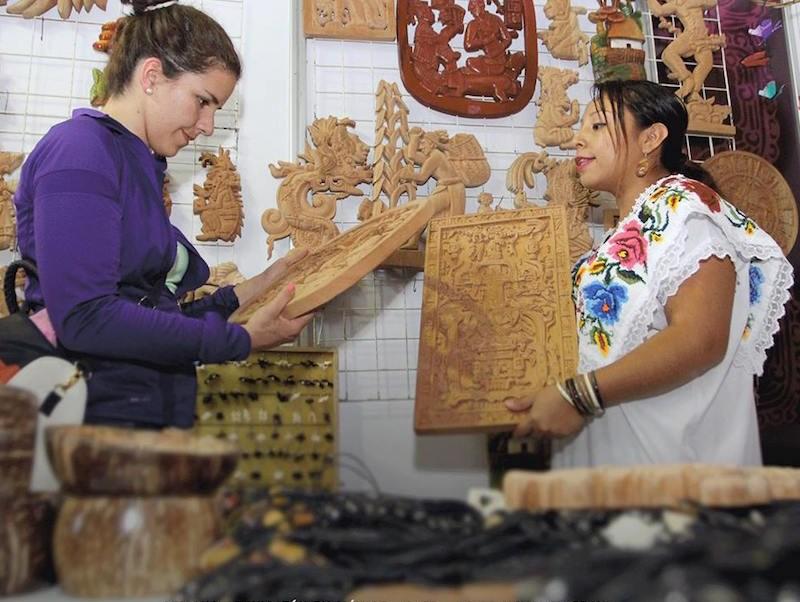 La artesanía y textiles en la Semana de Yucatán en México