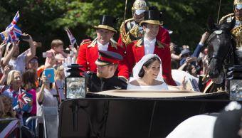 Palacio agradece a quienes festejaron boda Enrique y Meghan