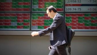Bolsas de Asia cierran a la baja