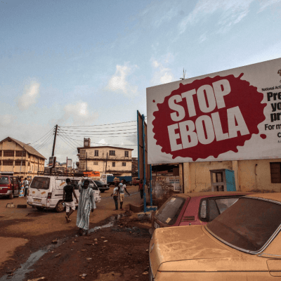 Probarán vacuna experimental contra ébola en Congo; la OMS en alerta