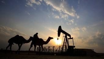 Precios del crudo caen ante posible reemplazo de exportaciones iraníes