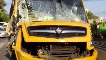 Choque entre transporte de personal deja cuatro lesionados en avenida Observatorio, CDMX