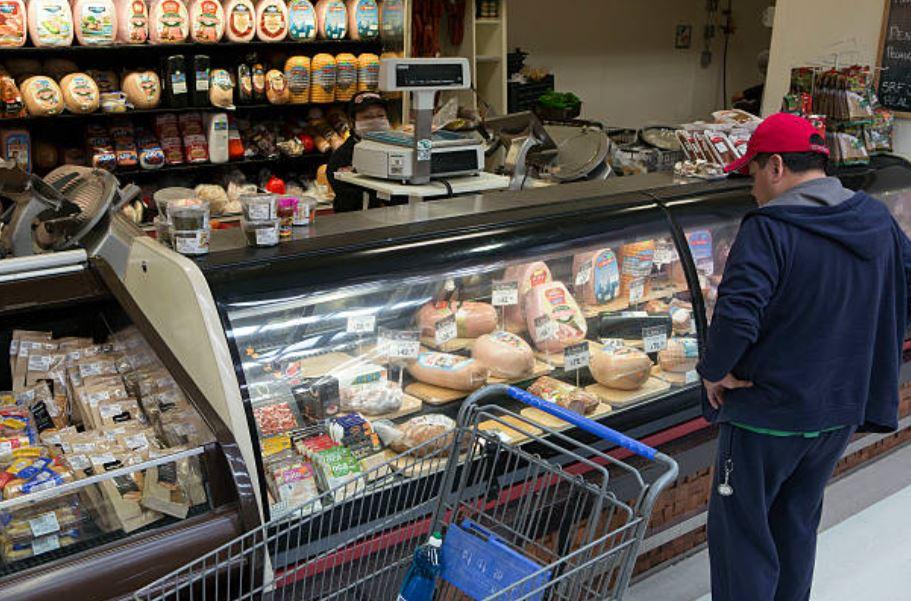 Consumo privado avanza 1.8% en febrero