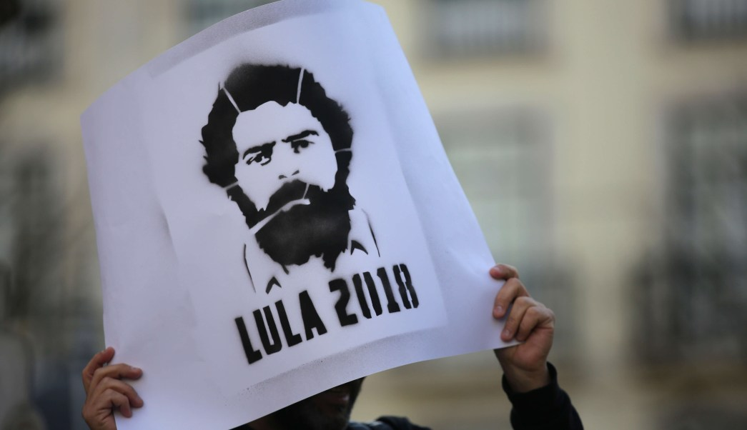 Justicia restituye beneficios presidenciales Lula da Silva