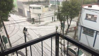 Se registra fuerte lluvia y granizada en la CDMX