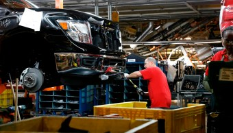 Disminuye tasa de expansión del sector manufacturero