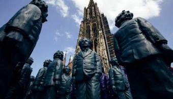 500 esculturas honran a Einstein en su ciudad natal, Ulm