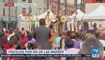 Mariachi Suena Festejar Madres Plaza De Garibaldi