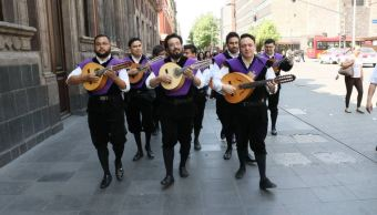Estudiantinas llenan de música las calles del Centro de la CDMX
