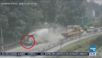 Grúa provoca fatal accidente en China