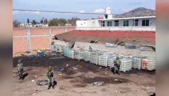 Desmantelan bodega con huachicol en Tepeaca, Puebla