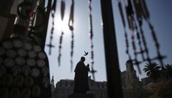 Iglesia chilena suspende sacerdotes abusos sexuales
