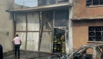 Incendio en la GAM deja tres lesionados y una mascota muerta