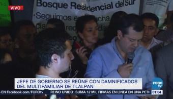 Jefe de Gobierno de Ciudad de México se reúne con damnificados en Tlalpan