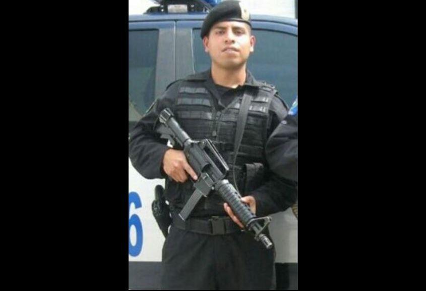 Rinden honores a policías asesinados en funciones