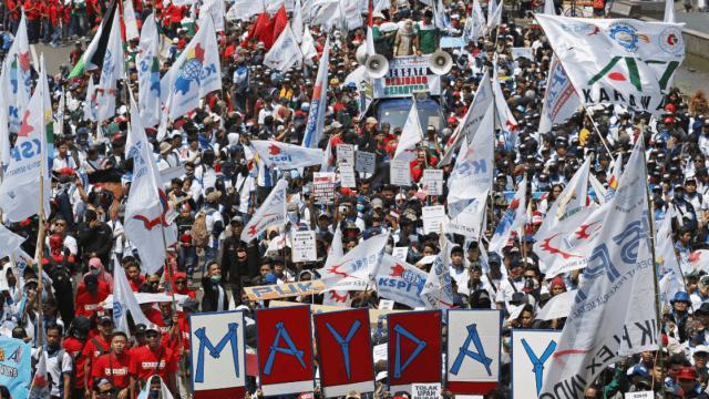 Miles de personas se manifiestan en el Día Internacional del Trabajo