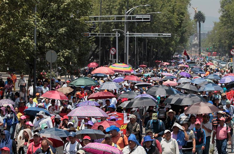 Anuncia la CNTE paro indefinido a fines de mayo