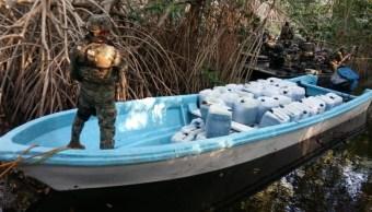 Semar asegura 4 embarcaciones con gasolina robada de Puerto Chiapas