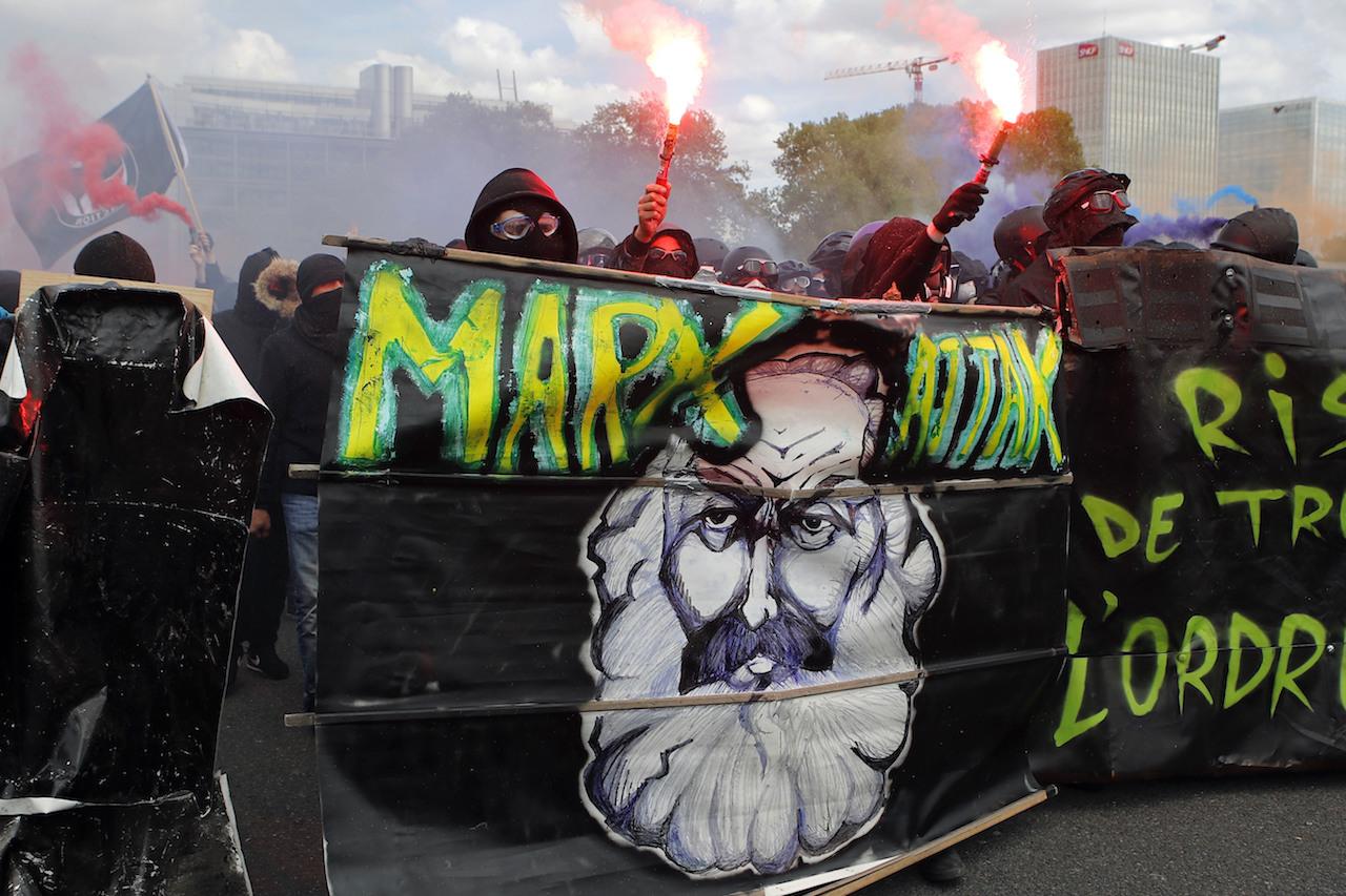 Karl Marx Biografía Aportaciones Planteamientos