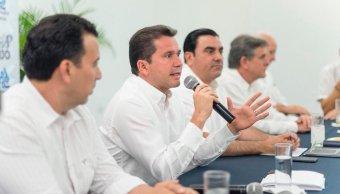 Mauricio Sahuí pidió a trabajadores no votar por opciones populistas