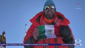 Mexicano escala el Everest y el Lhotse en un día