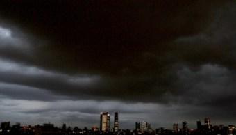Prevén tarde y noche de domingo con lluvias en la CDMX