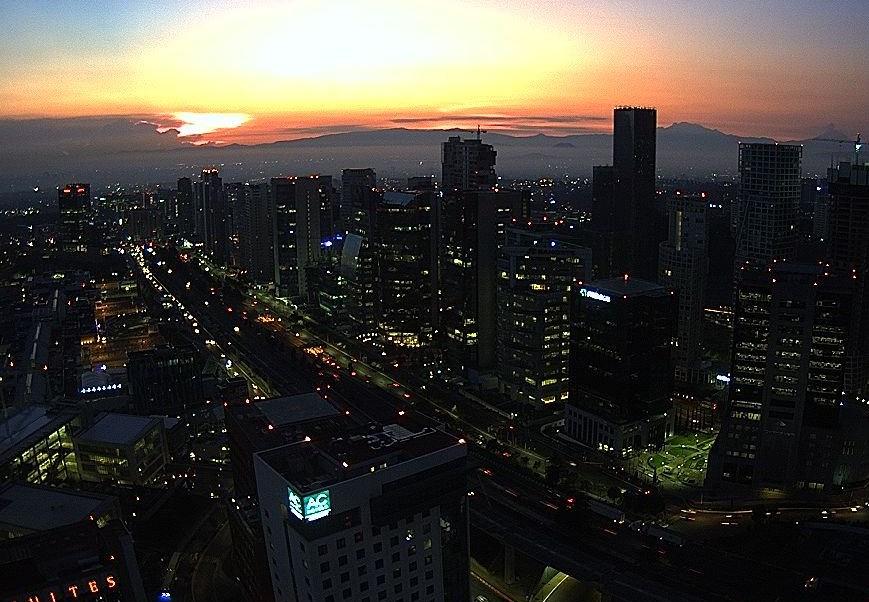 Prevén 30 grados y lluvias para la Ciudad de México