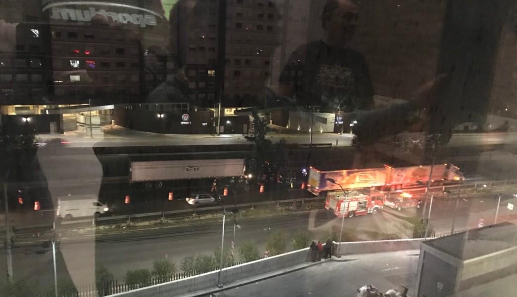Pareja se salva de fuerte accidente en la autopista México Toluca