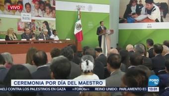 Peña Nieto Encabeza Ceremonia Día Del Maestro