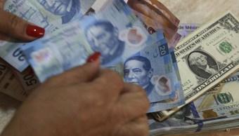Peso se deprecia ante fortalecimiento generalizado del dólar
