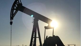 Inventarios de petróleo en EU suben inesperadamente 4.9 millones de barriles