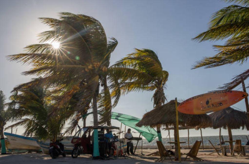 Emiten alerta por onda de calor en cinco regiones de México