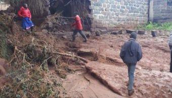 revienta presa kenia hay 32 muertos y varios desparecidos