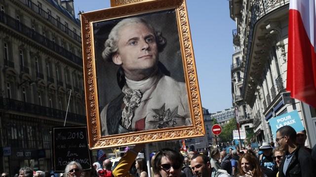 Reprochan a Macron ser el presidente de los ricos en Francia