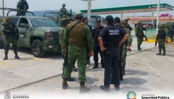 Investigan hallazgo de 9 cuerpos en camioneta en Tixtla Guerrero