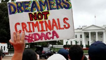Texas y otros estados forman coalición contra programa DACA