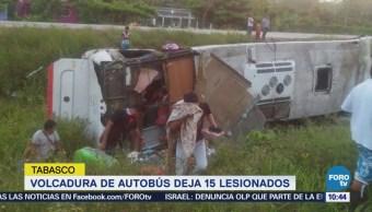 Volcadura de autobús en Tabasco deja 15 lesionados
