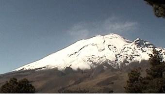 Sistema de monitoreo registra 57 exhalaciones del volcán Popocatépetl