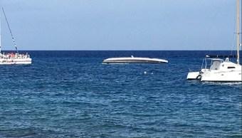 vuelca embarcacion en la isla cozumel