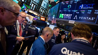 Wall Street termina mixto y Dow Jones pierde