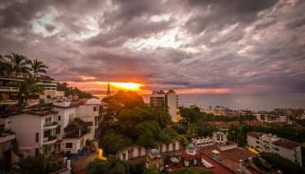 Autoridades de Jalisco toman acciones ante paso de 'Bud'